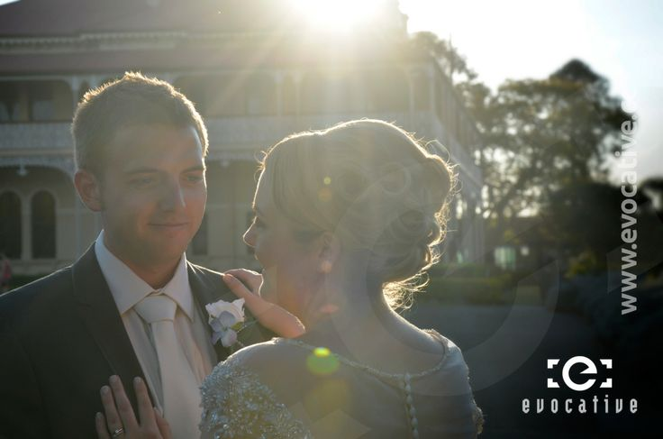 Bride and groom in the afternoon sunlight, just outside the mansion at Woodlands of Marburg. #WeddingPhotography #LensFlare