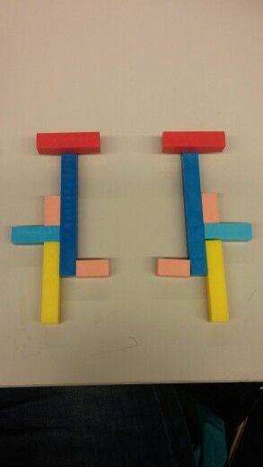 Rakennetaan kahta samanlaista rakennelmaa kahdella kädellä. Rakennelmat ovat toistensa peilikuvua. Välillä voi peilillä tarkistaa, onnistuuko rakentaminen.