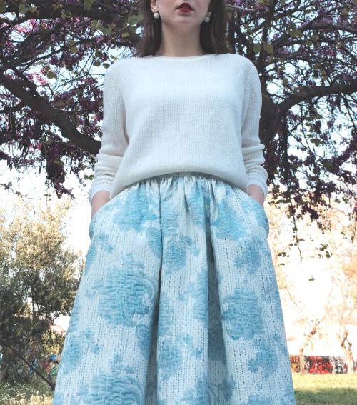 floral maxi skirt detail.