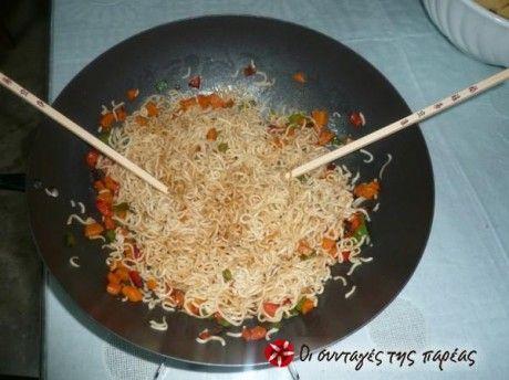 Noodles  με λαχανικά