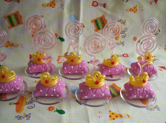 Porta recados das Princesas, em Biscuit (Porcelana Fria / cold porcelain).