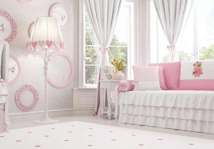 O Quarto de Bebê Nina Luxuosa traz uma decoração digna de uma pequena diva! Com muito cor-de-rosa e detalhes exclusivos, esse quartinho é apaixonante!