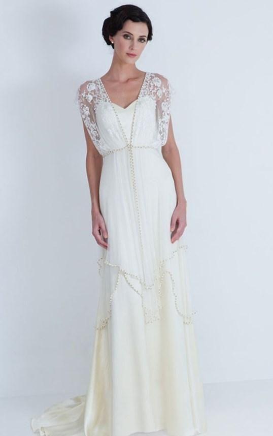 Свадебные платья в старинном стиле - http://1svadebnoeplate.ru/svadebnye-platja-v-starinnom-stile-3882/ #свадьба #платье #свадебноеплатье #торжество #невеста