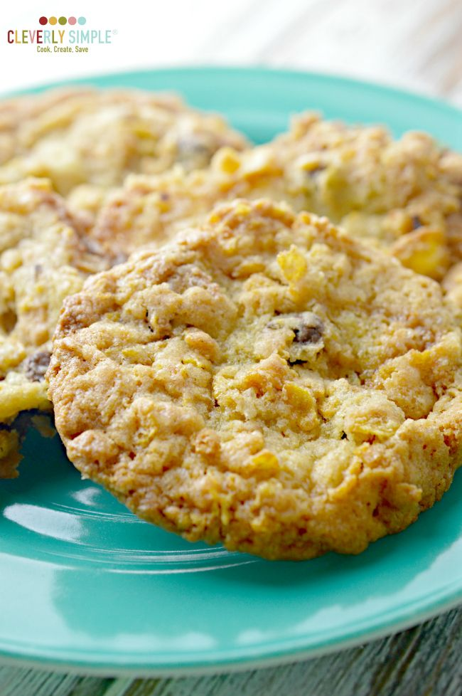 These delicious cookies are made with corn flakes.  They pack a crunch while also having a chewy taste.  Yum!