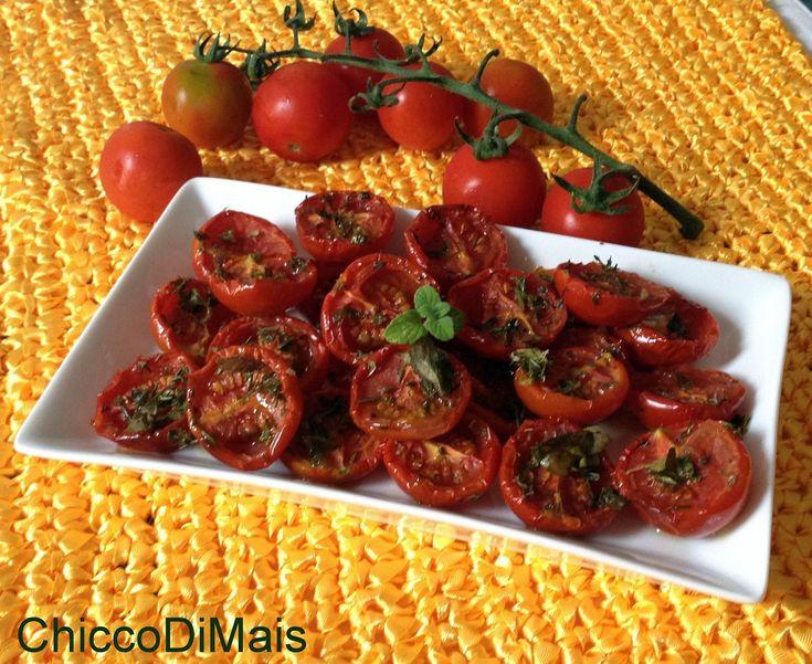 Pomodori confit ricetta base il chicco di mais http://blog.giallozafferano.it/ilchiccodimais/pomodori-confit-ricetta-base/