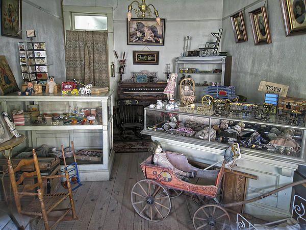 https://i.pinimg.com/736x/e1/ed/a0/e1eda0e194b335238564e64d8f4457ca--victorian-toys-victorian-photos.jpg