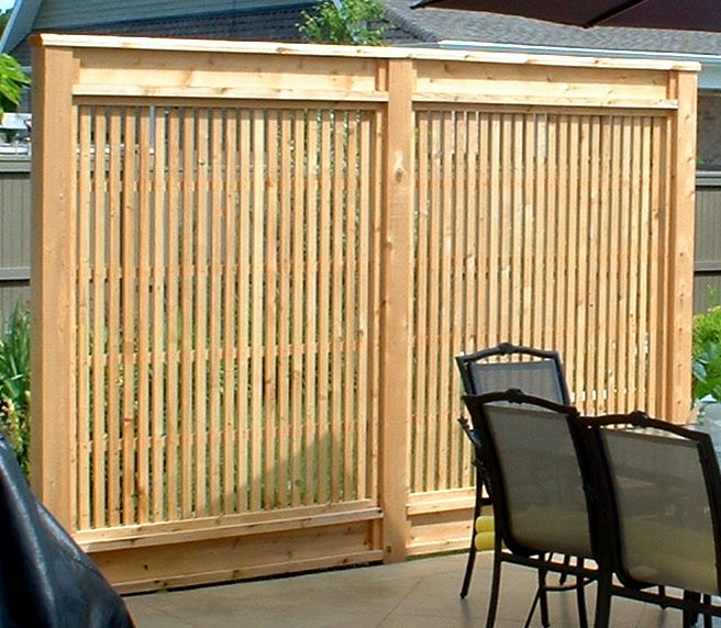 The 25 best privacy screen for deck ideas on pinterest for Privacy planters for decks