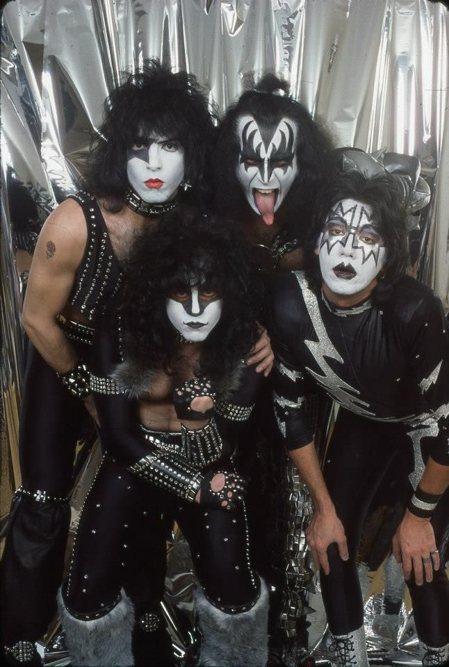 Born in the wrong time era I tell you. By the time I get the money to see these guys they'll be disbanded or dead. :(