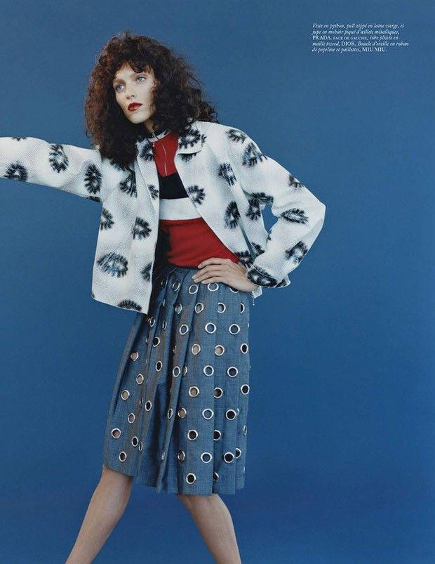 Аня Рубик (Anja Rubik) снялась в фотосессии Харли Вейра (Harley Weir) в декабрьском Vogue Paris.