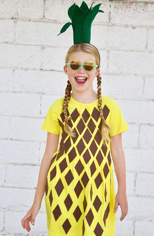 Make the sweetest DIY costume for your kid this Halloween. Pineapple costumes are not only trendy but easy to make, too. Learn how to make this homemade Halloween costume which includes a leaf headband today