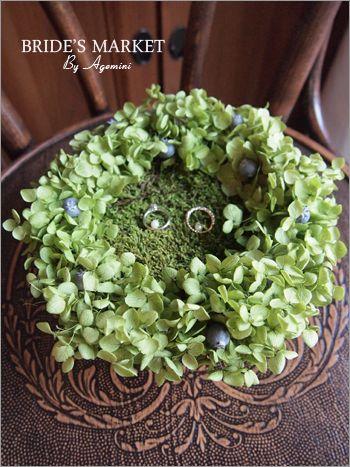 モスと紫陽花で仕上げたナチュラルなリングピロー ガーデンウェ...