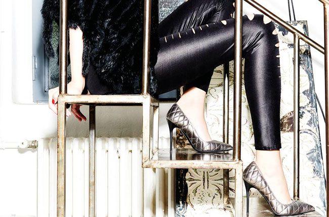 Lacollezione scarpe Albanopresentata per la stagione autunno inverno 2015-2016ospita diverse creazioni dallo stile sofisticato a cui si alternano modelli dal piglio più deciso, interpretando al ...