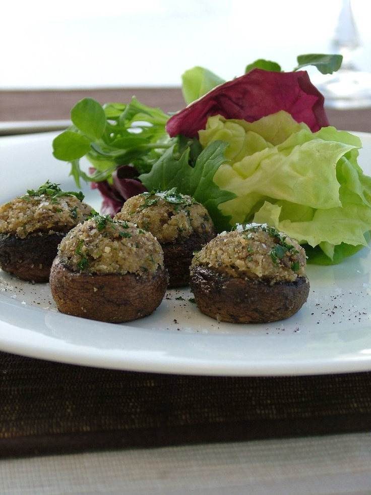 Parmesan and Thyme Stuffed Mushroom Caps - Chef's Pencil