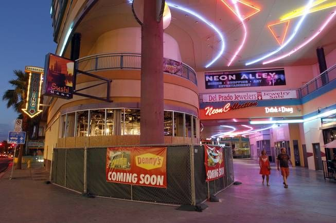 Denny's Las Vegas is opening a connected wedding chapel. Bridal breakfast for all! via @emgpublications