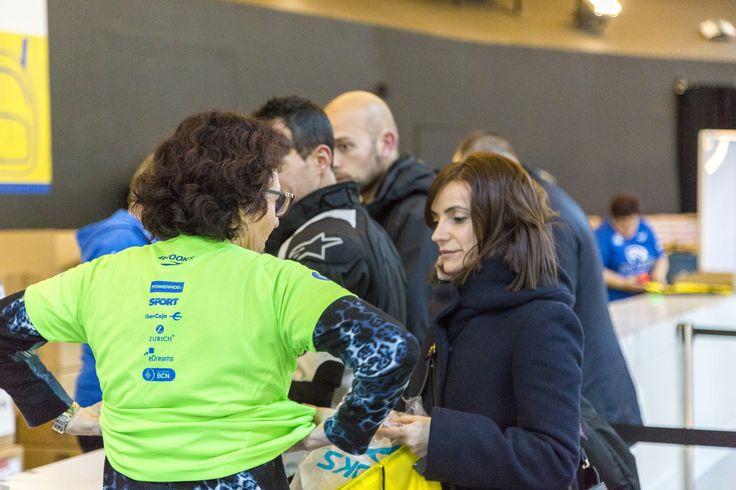 Recogida de dorsales para la Edreams Media Maratón de Barcelona.