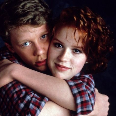 Anthony Michael Hall and Molly Ringwald in 16 Candles <3