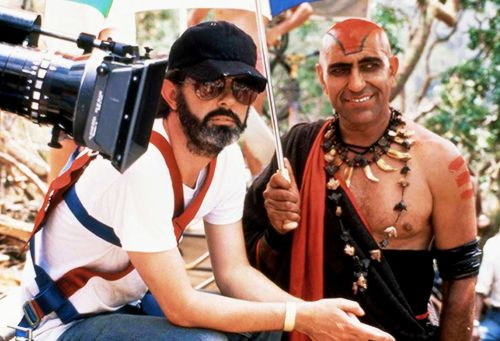 George Lucas with Amrish Puri behind the scenes ofIndiana Jones and the Temple of Doom(1984)