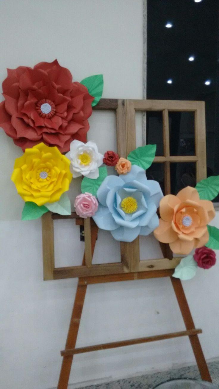 Painel de flores gigantes de papel   Trabalhos manuais, Papel de ...