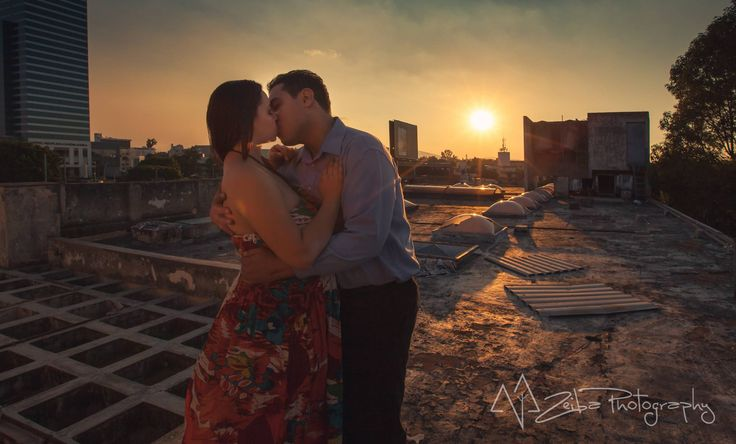 Zeiba Photography – Destination Weddings in the Yucatan Peninsula. Unique Couple Session in abandoned building