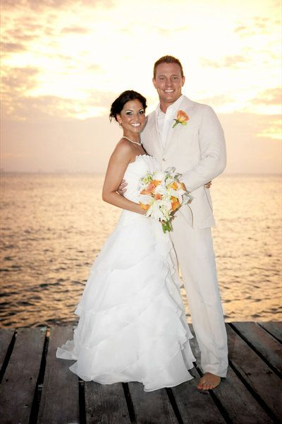 Melissa Rycroft with husband Tye Strickland on their wedding  Source: Pinterest