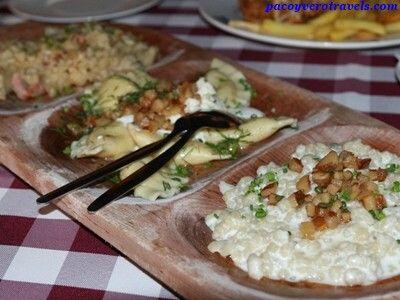 Trió de entremeses típicos #bratislava #eslovaquia http://www.pacoyverotravels.com/2014/05/comer-bratislava-restaurante-slovak-pub.html