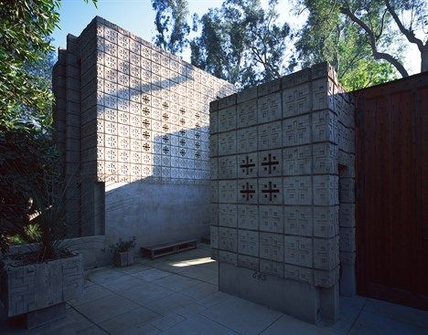 17 best images about flw millard la minatura house on for Frank lloyd wright california