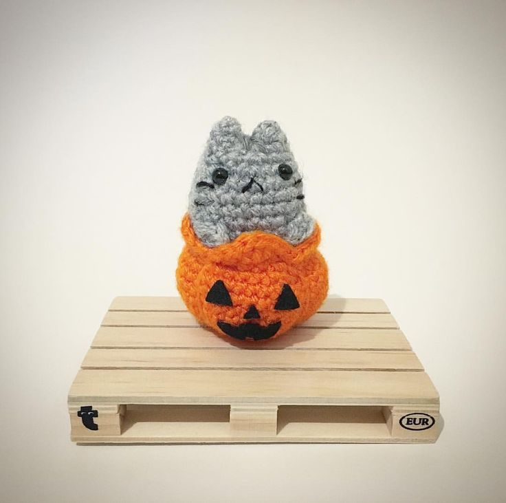 Pusheen Jack O' Lantern Crochet Amigurumi Plush @lemonyarncreations