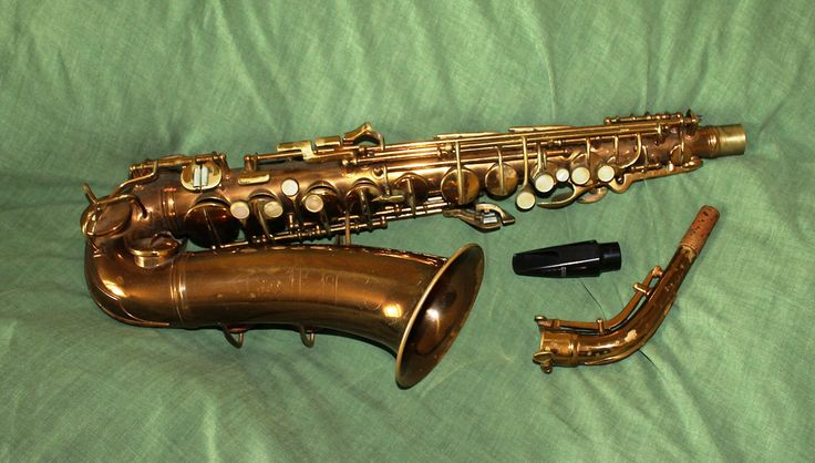 https://flic.kr/p/cbKnAL | Conn Alto Saxophone 1937 | Bought it 10 years ago.The devil to play, with heavy action in the keys, but sings like an angel.   Kupiłem 10 lat temu. Cziężko się gra, ale śpiewa jak anioł.  J'ai acheté il-y-a 10 ans. Le diable à jouer, avec une action forte dans les touches, mais chante comme un ange.