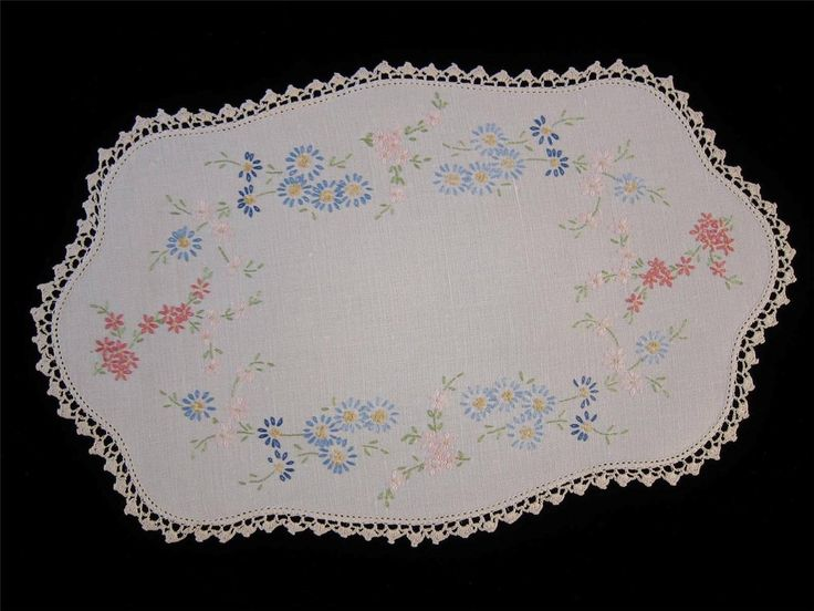 Vintage Centrepiece Doily Daisies Hand Embroidered Linen