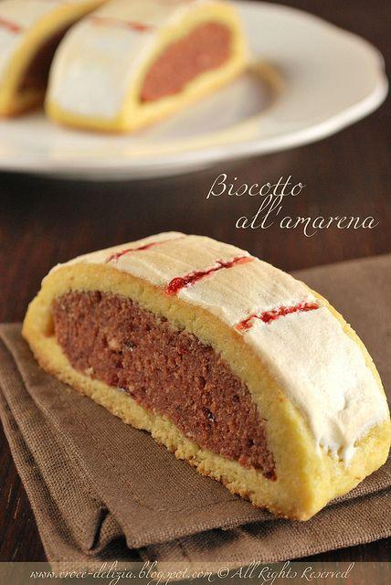 Biscotto all'amarena by Antonella F., via Flickr