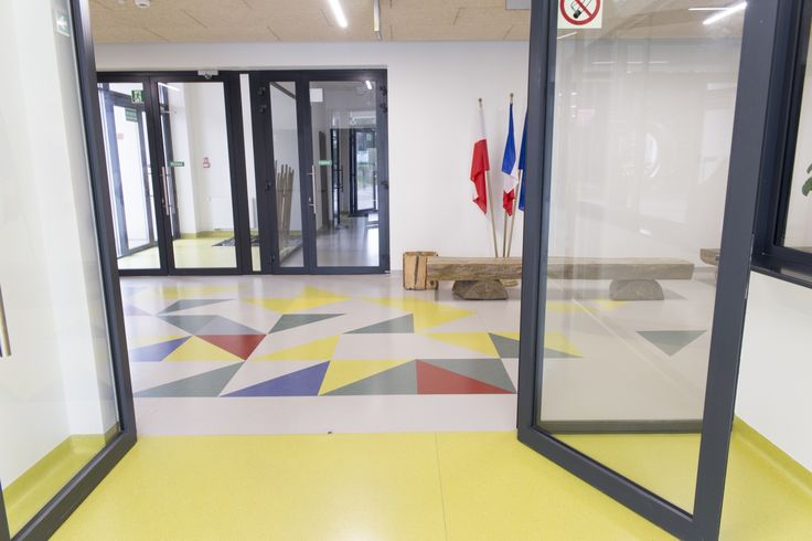 Gimnazjum w Dopiewie, wykładzina Artigo Grain