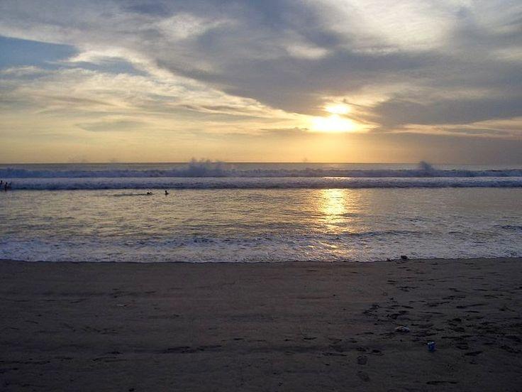 Bali Surf Guide: Kuta Beach Bali   Kuta Beach is a tourist place ...