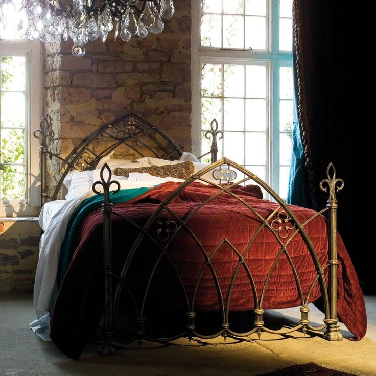 Bespoke Gothic Bed - Click to enlarge