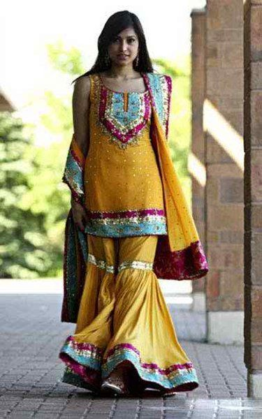 Latest Mehndi Dresses For Bridals 2015 (4)