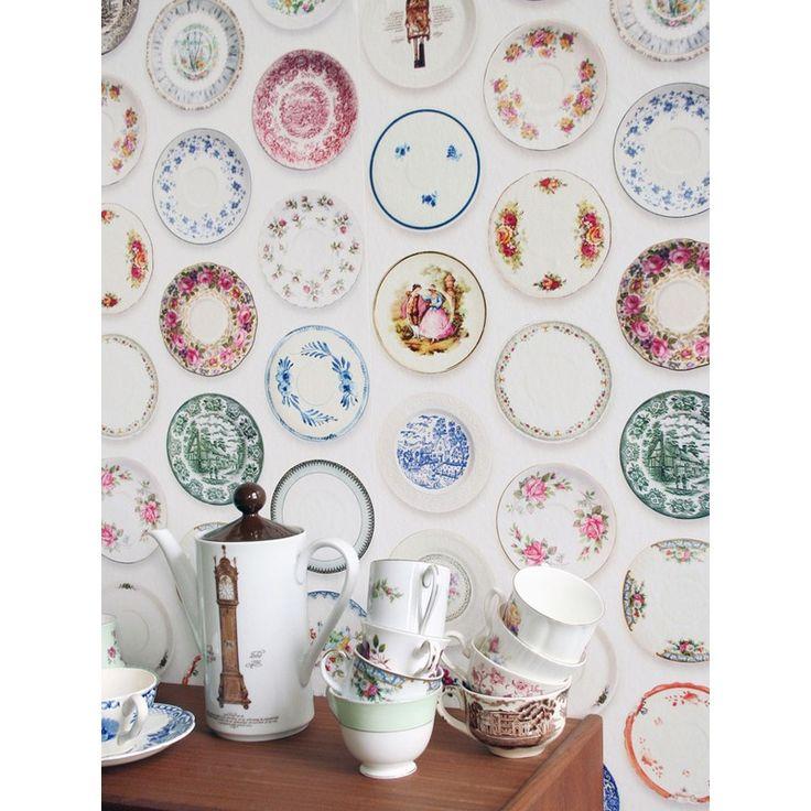 Assorted Vintage Plates Wallpaper