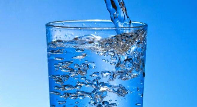 la sant pour tous boire de l eau fait maigrir pourquoi c est si bien quelle eau boire. Black Bedroom Furniture Sets. Home Design Ideas