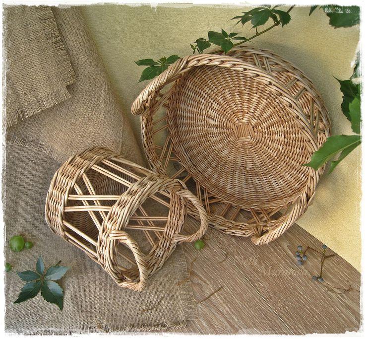 Openwork small basket