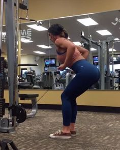"""Workout Videos on Instagram: """"Vid by: @jillchristinefit Ive been patiently waiting for the homie to post a back workout and she came thru with some heatLove this…"""""""