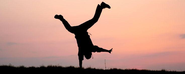 """Energiboost med adaptogener!  Tänk att få känna sig lite piggare efter en lång mörk vinter – det är väl vad alla önskar? Det finns faktiskt lite naturlig hjälp att få. En del örter innehåller något som kallas """"adaptogener"""" – och vad det är – förklarar gästbloggare Mikaela Bjerring på Passion för Hälsa i denna artikel.  #passionforhalsa #näringförlivskraft #piggochglad #adaptogener"""