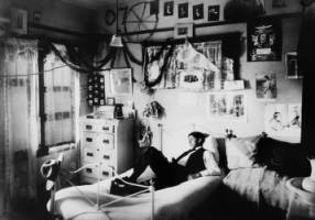 Student in a dormitory, USC, ca. 1907 :: University of Southern California History Collection    #USC #college #student #dorm #LosAngeles #decor