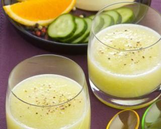 Gaspacho Croq'Kilos au melon d'eau et concombre : http://www.fourchette-et-bikini.fr/recettes/recettes-minceur/gaspacho-croqkilos-au-melon-deau-et-concombre.html