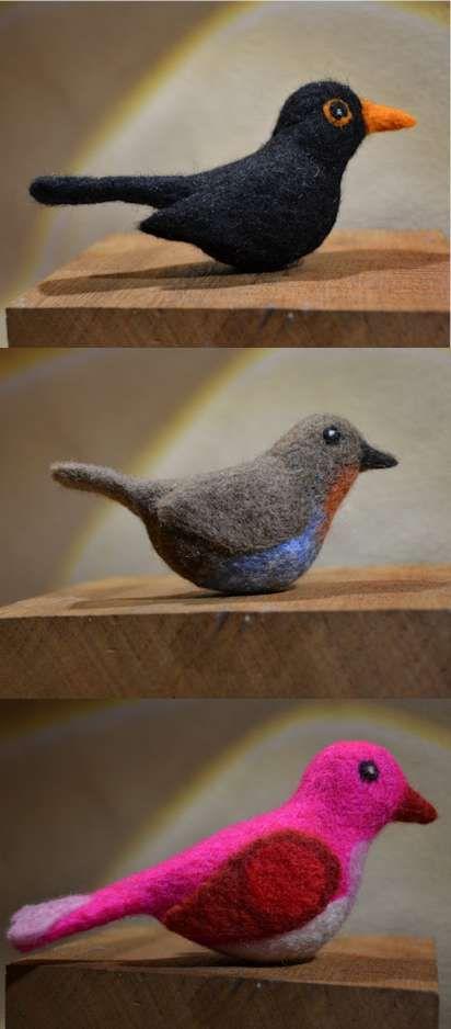 Rode Klompen: Vogels van vilt. Van verschillende kanten kreeg ik het verzoek een vogel te vilten. De ontvangers zijn enthousiast en komen een workshop naaldvilten doen bij Rode Klompen.