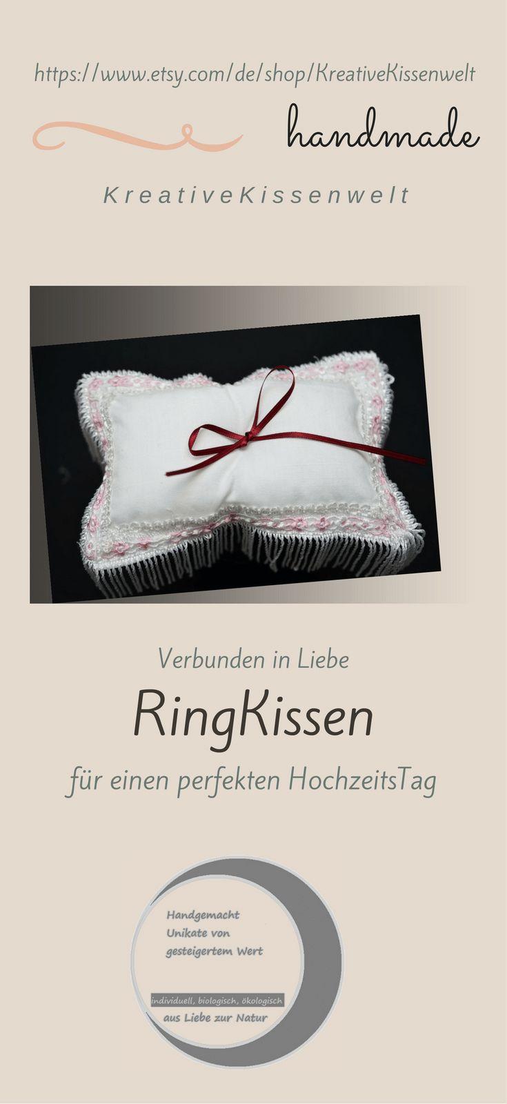 Romantisches #Ringkissen in weiß mit einer Spitzenborde in rosa und weiß für #Trauringe und #Eheringe.