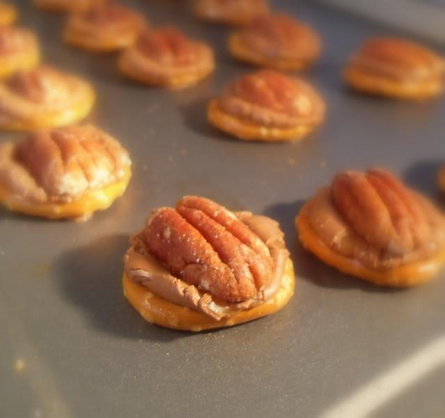 Rolo pretzel | Eating, Drinking, & Merry Making! | Pinterest