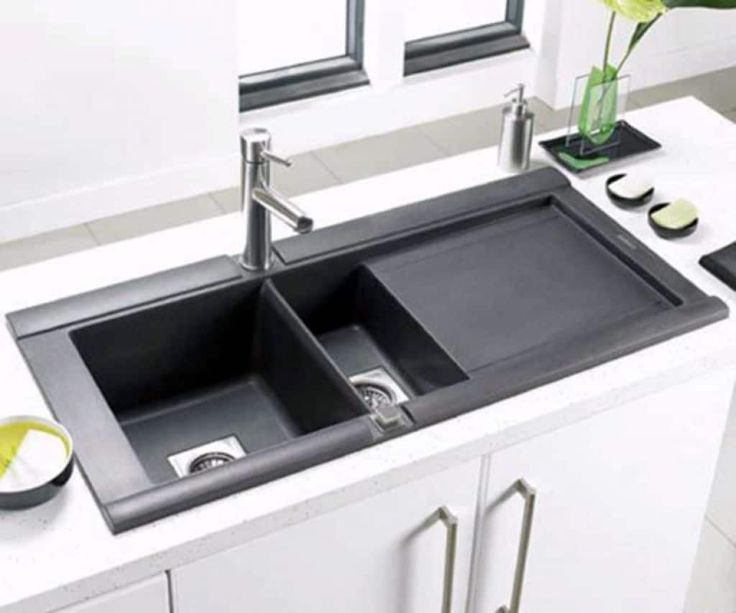 When shopping for a kitchen sink, homeowners often assume that their choices are limited to stainless steel, porcelain or enameled cast iron. However, a composite sink is an interesting alternative to traditional options.
