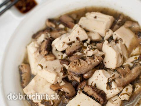 Tofu na šampiňónoch
