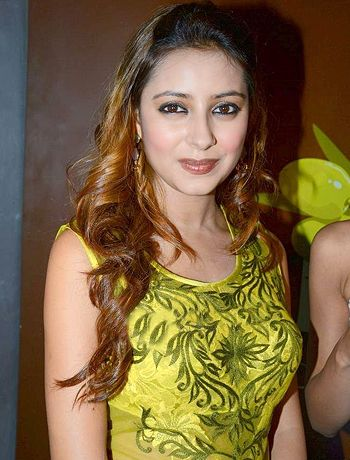 I could not survive amidst so many wolves, says Pratyusha Banerjee! - http://www.bolegaindia.com/gossips/I_could_not_survive_amidst_so_many_wolves_says_Pratyusha_Banerjee-gid-36769-gc-16.html