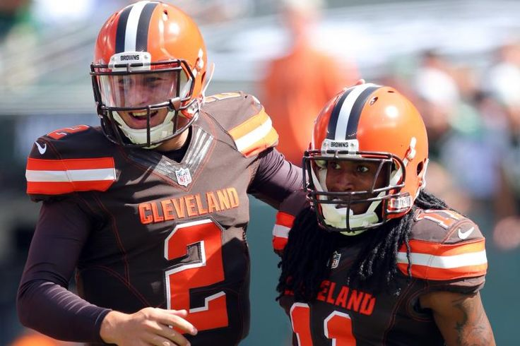 Cleveland Browns quarterback Johnny Manziel #2 and wide receiver Travis BeN.J.amin #11 after their touchdown against the New York Jets during an NFL game at MetLife Stadium in East Rutherford, N.J. on Sunday, Sept. 13, 2015. (AP Photo/Brad Penner)