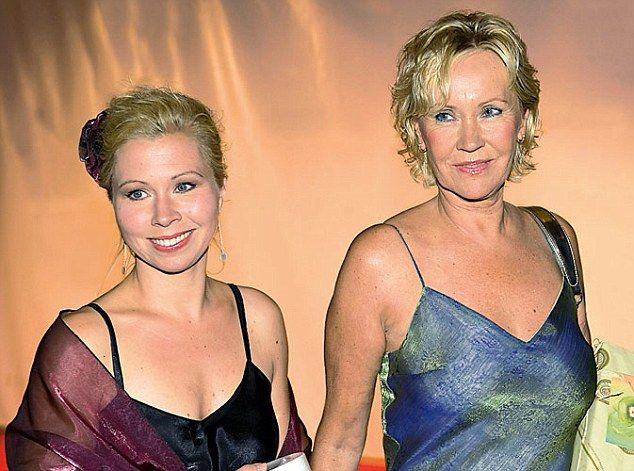 Agnetha and daughter Linda in 2009.
