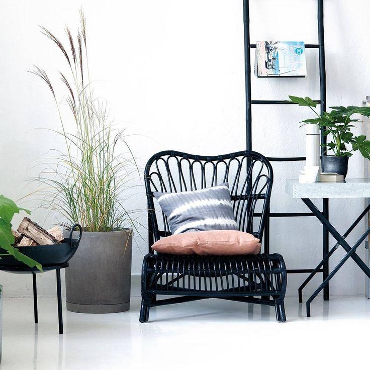 Creeer Urban Jungle stijl met de rotan lounge stoel Colone |Groot assortiment House Doctor online maar ook echte voorraad en in onze winkel in Rotterdam | Station Hofplein